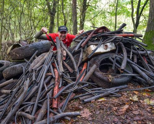 human waste zone, zero waste, śmieci, sprzątanie lasu, zbieranie śmieci, eko, ekologia, daniel krępa