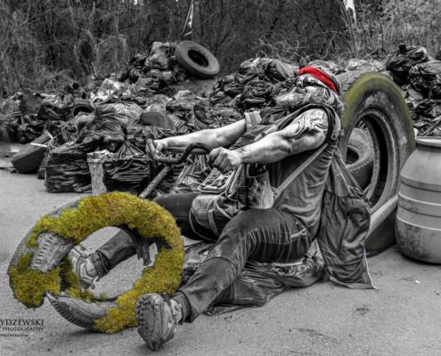 Human Waste Zone, harley davidson, motor, śmieci, zbieranie śmieci, sprzątanie lasu, dzień ziemi, dobrzy ludzie